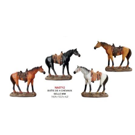 Figurine cheval avec selle