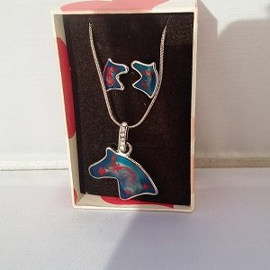 ensemble collier et boucles d'oreilles cheval